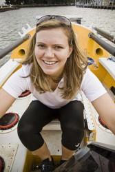 Тренируйтесь почаще на веслах, в жизни пригодится