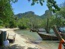 На пляже в Таиланде ждут не только дайверов, но и скалолазов