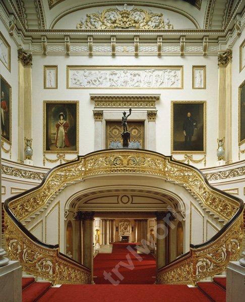 Парадная лестница букингемского